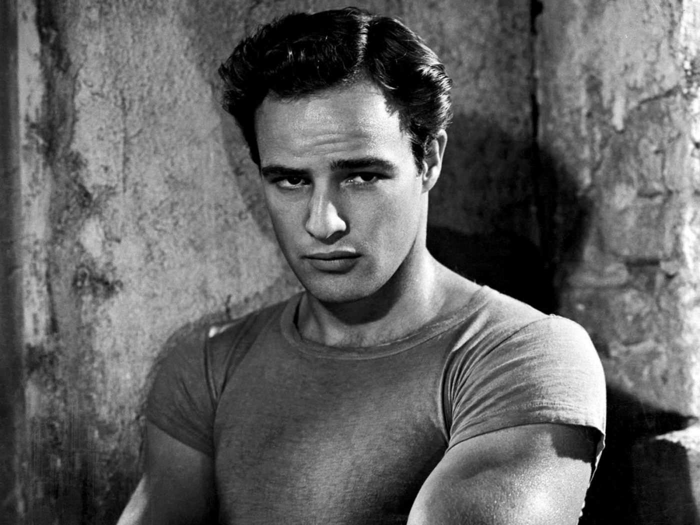 042afcb1080 Marlon Brando s t-shirt – IN A LONELY PLACE