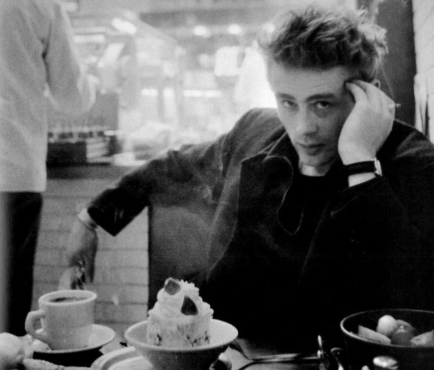 James Dean's shoulders – IN A LONELY PLACE