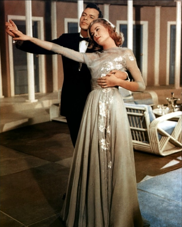 Frank Sinatra seduces Grace Kelly (in one of the most beautiful dresses I've ever seen) with his voice in High Society