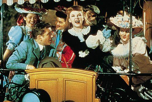 Judy Garland sings 'The Trolley Song' in Meet Me in St. Louis