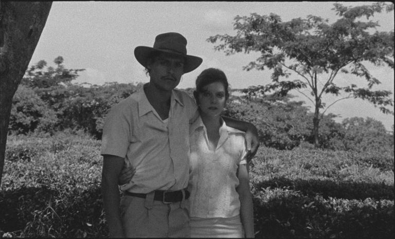 Gian Luca (Carlotto Cotta) and Aurora (Ana Moreira) in Tabu