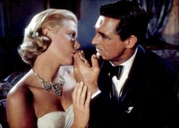 Grace Kelly loses her head when Cary Grant is close by