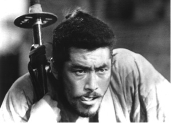 Toshiro Mifune gives an animalistic brilliant performance
