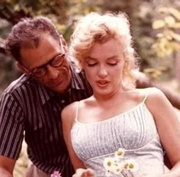 Marilyn with daisies